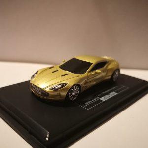 Aston Martin one-77 - Zlatni model